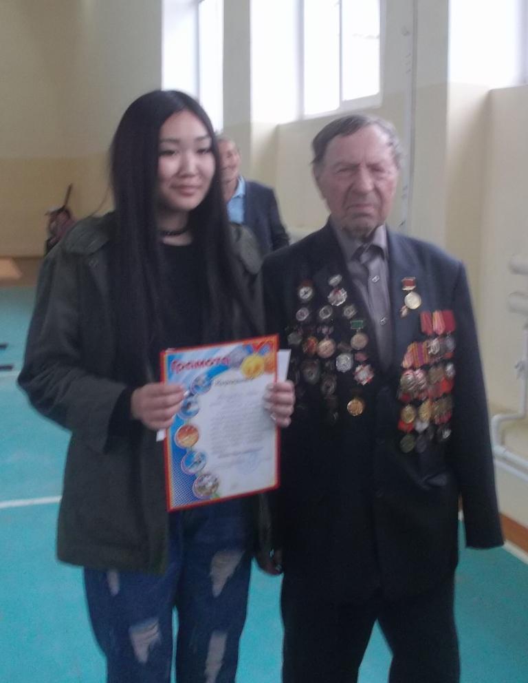 Тыкшеева Дарима, Хужиры