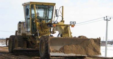 По запросам глав поселений в Тунке ремонтируют дороги